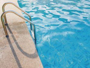 5 pasos claves sobre cómo preparar la piscina para el verano